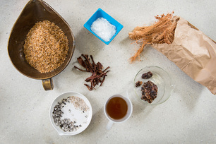 Ingredients with bio content: they include rice husks (top left), ash from cassava peels (bottom left), karroo gum (centre) and coconut fibres (right).