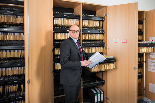 Hagen-Joachim Saxowski's filing cabinets may deceive: work here is more creative than one might think.
