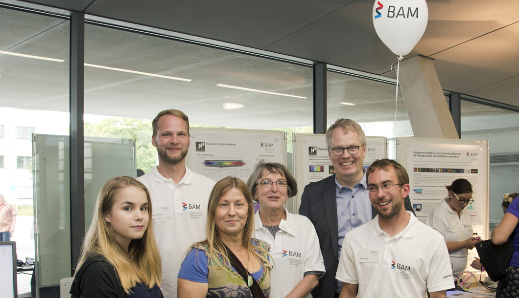 BAM President Prof. Ulrich Panne thanked the staff for their commitment before and during the Long Night of Science.