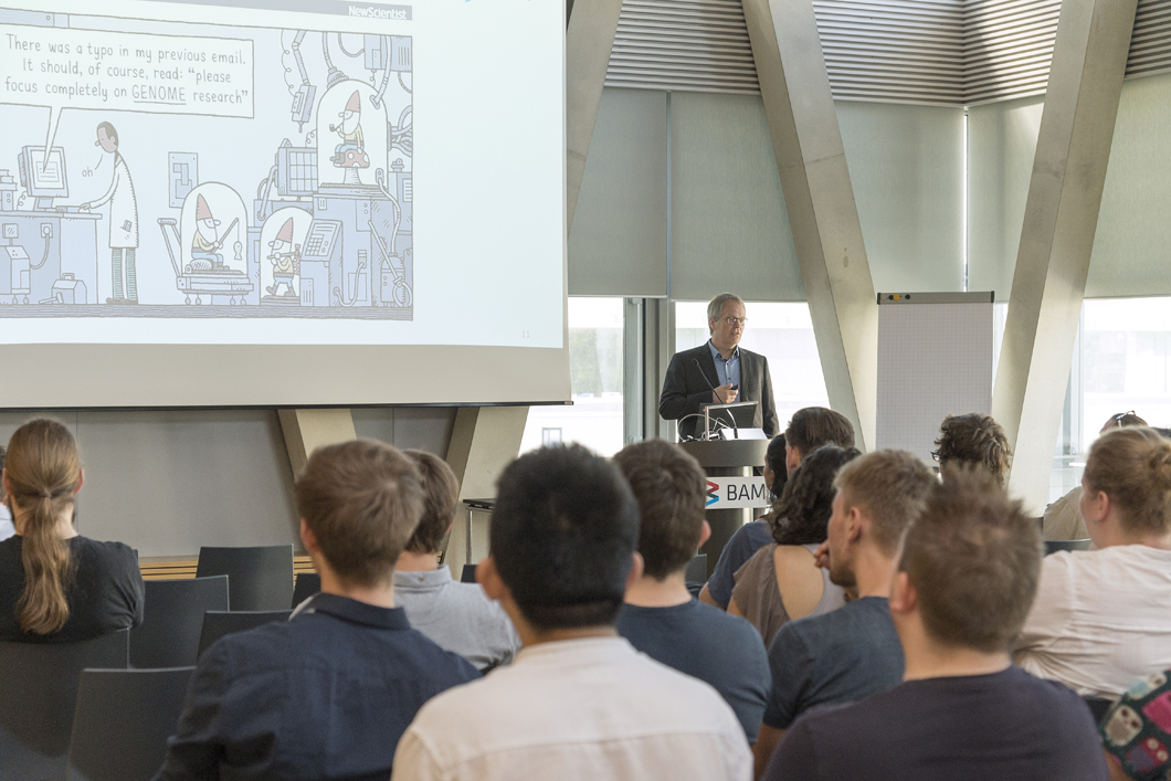 BAM president Prof. Ulrich Panne opened this year's PhD Day.