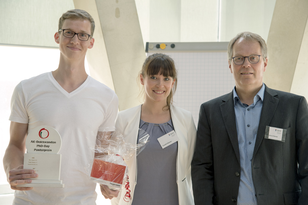 Tobias Thiede, Claudia Kästner and Prof. Dr. Ulrich Panne