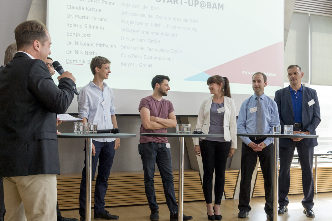 A panel discussion on the topic of research start-ups took place at the end of the PhD Day. The panellists discussed the success factors of spin-offs.