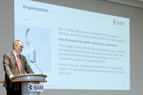 "Prof. Ulrich Panne: ""I am glad that the German Council of Science and Humanities recognised that BAM is an attractive employer for young scientists nationally and internationally and that our employees are highly motivated."""
