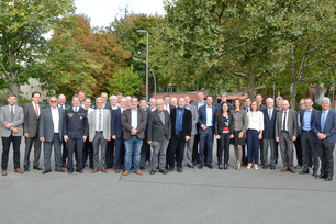 Experts from manufacturers, bus companies, insurers, inspection bodies, specialists and the Berlin fire brigade discussed improved fire safety of buses