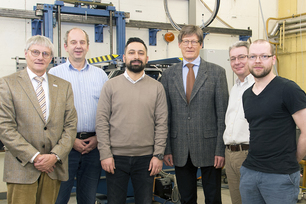 Ilker Yelbay, deputy chairman of the Turkish Society for Non-Destructive Testing (3rd from left) during his visit to BAM