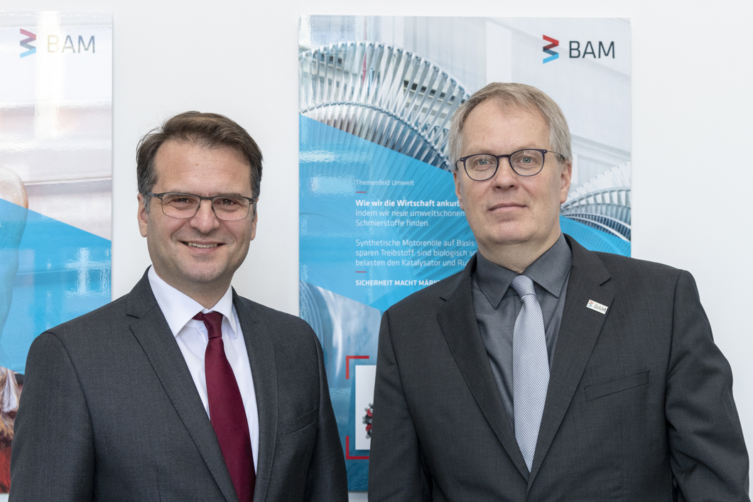 State Secretary Andreas Feicht from the BMWi und BAM president Professor Ulrich Panne