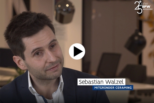 Link to Video at the Businessplan-Wettbewerb website (German version only)