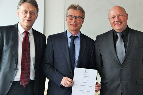 Handing over the certificate (left to right): Magnificence Prof. Strackeljan, Prof. Schendler, Prof. Krause, PSEE Course Director
