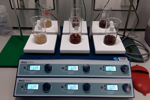 Experimental setup for the selective extraction of Chromium(VI)-compounds from secondary fertilizer materials