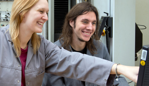 Michelle Gerloff and Christian Riemann, trainee material analysts, specialising in metal technology at BAM
