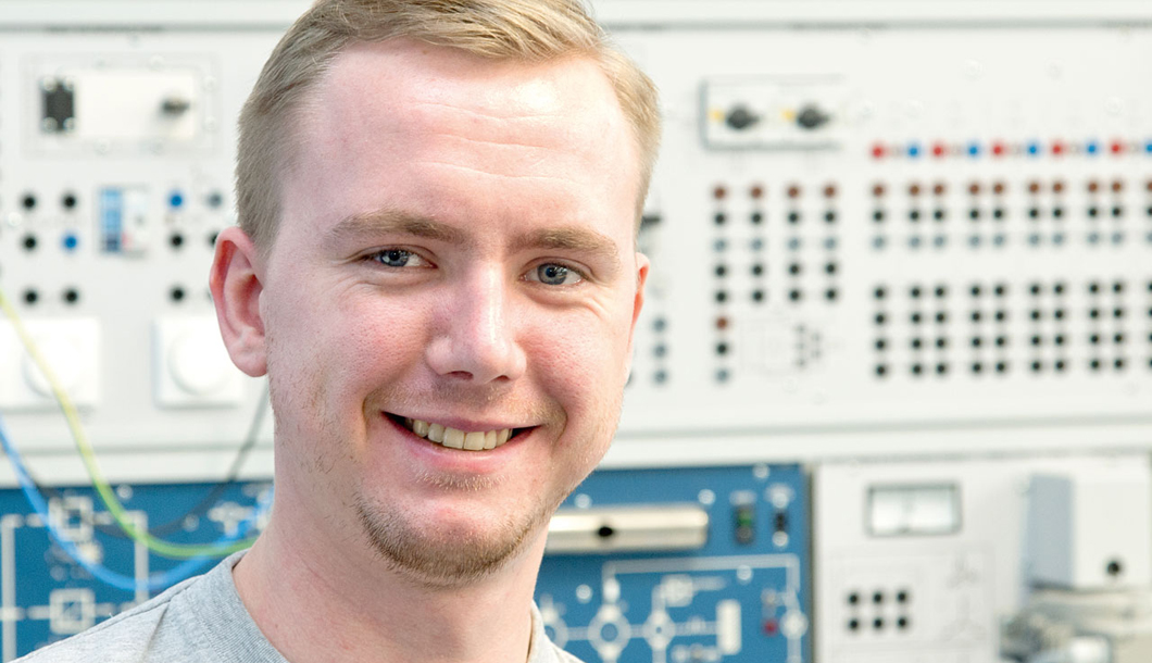 Nico Gutheins, electronics technician trainee, energy and construction engineering subject area at BAM