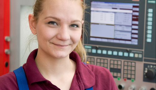 Franziska Kiesel, industrial mechanic trainee in the Testing Devices and Equipment Division at BAM
